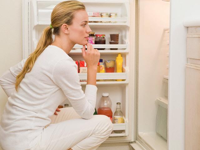 Làm gì khi tủ lạnh bị chảy nước ngăn mát
